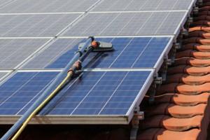 zonnepaneel-schoonmaken